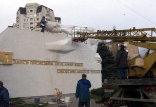 В преддверии акции «Бескозырка» произведен ремонт мемориального знака «Передний край обороны Малой земли»
