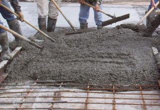 В  Восточном  районе Новороссийска  бетонируют улицы методом «Народной стройки»